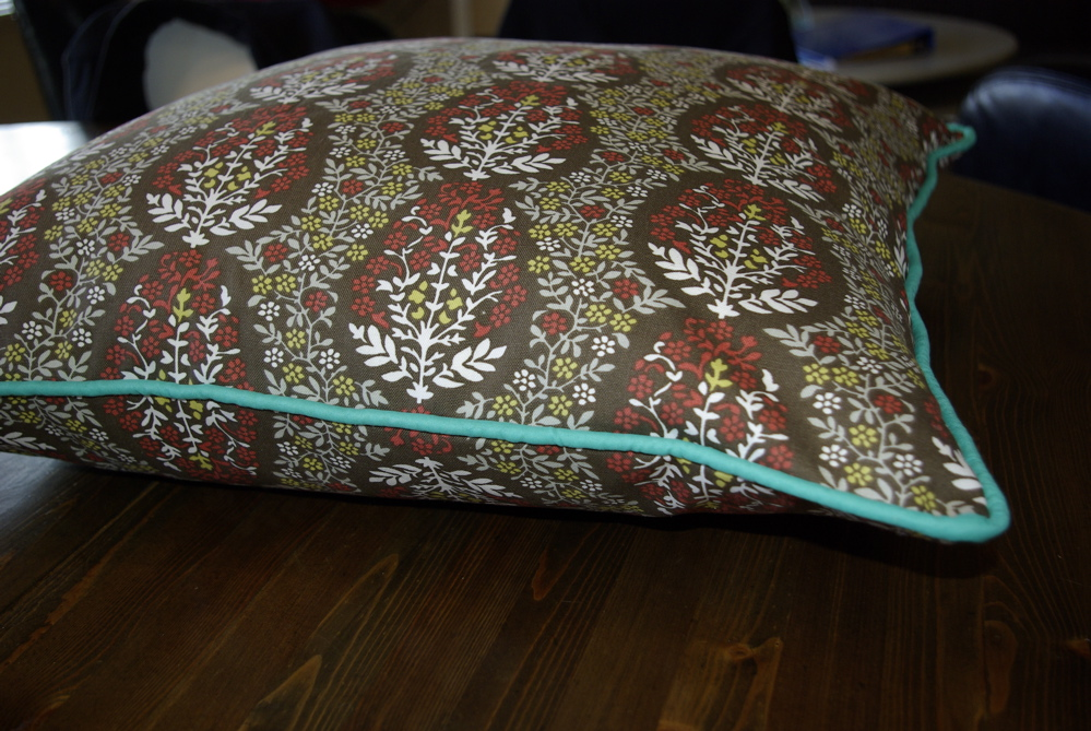 Sewing Throw Pillow With Zipper And Piping : making a pillow sham, with piping and a zipper - noelle o designs