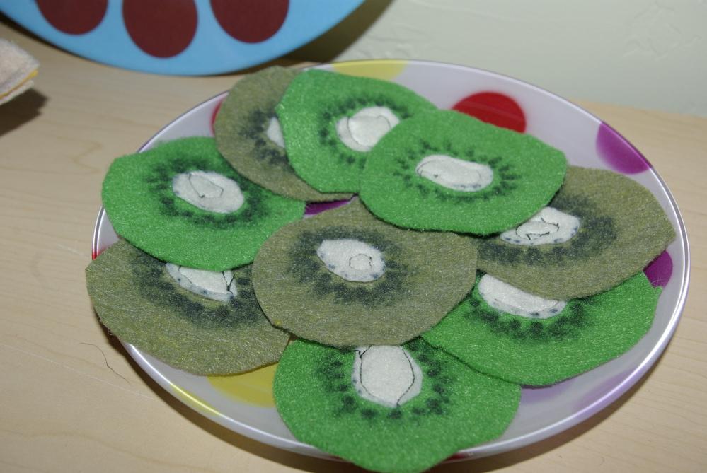 felt play food ideas for kids kiwi play food